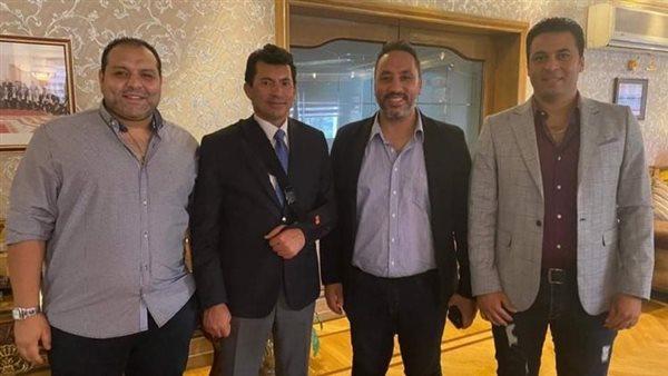 وزير الشباب يكرم الصحفيين الفائزين في مهرجان كرة القدم الإلكترونية
